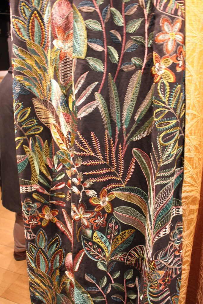 カサマンスのカーテン
