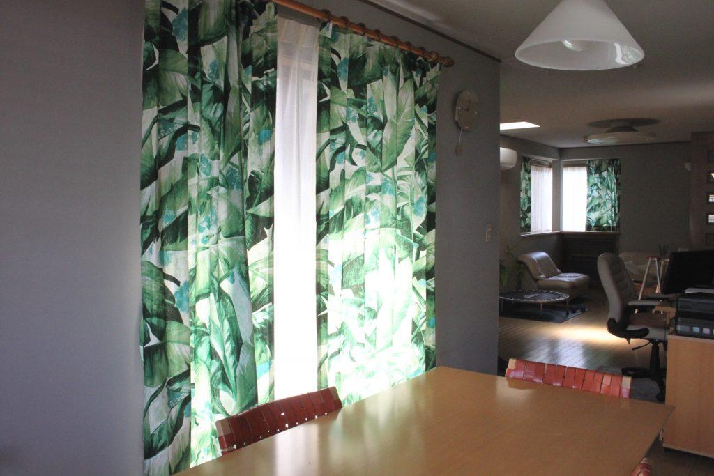 イタリアのブローシェのカーテン