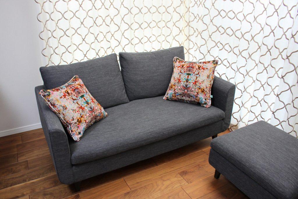 フェザーのソファとクッション
