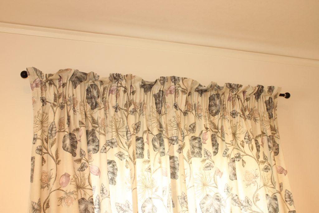 ペンシルギャザーのカーテン